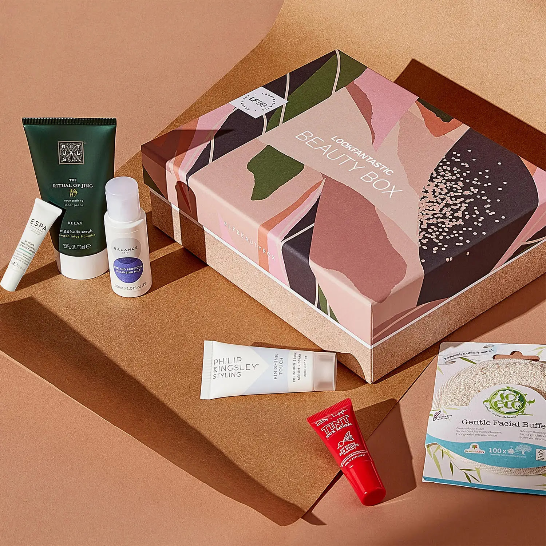 Lookfantastic UK: Beauty Box Subscription